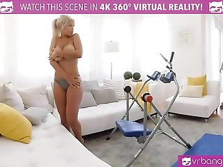 VRBangers.com BRIDGETTE B SEXY MOM HAVING SEX WITH THE POOL BOY
