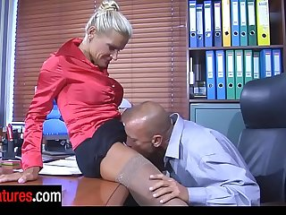 Tempting office mature flashes her ripe boobs to tempt her hung co-worker