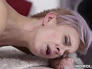 Granny neighbor fucks a big cocked guy - Belinda Bee and Parker Marx