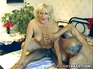 German Guy Fucks Hungarian Granny