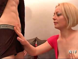 Amateur french mom cougar hard sodomized and double penetrated